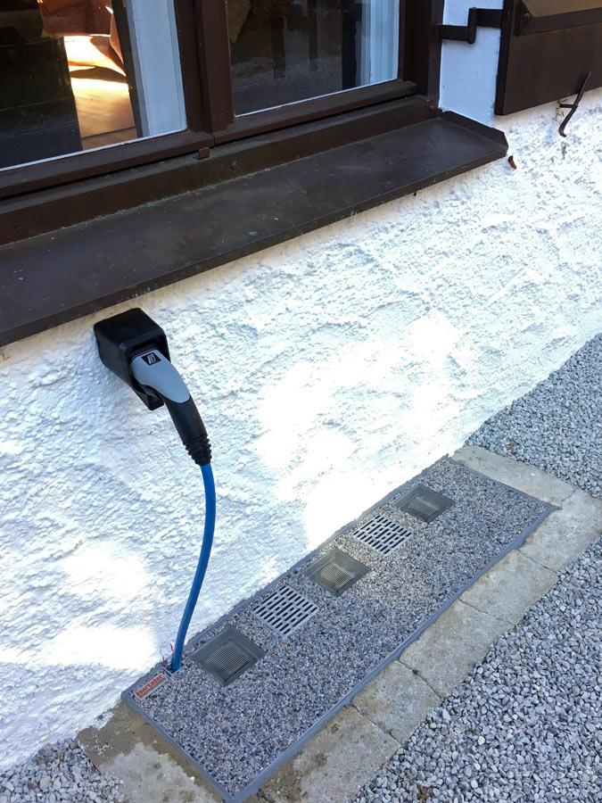Durchführung für E-Auto Ladekabel