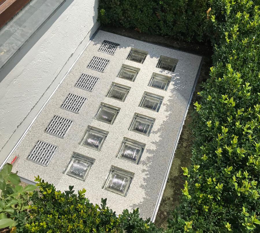 Perfekte Lichtschacht-Abdeckung für den Garten- und Traufenbereich